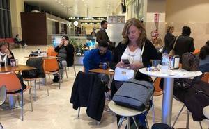 Retraso de hora y cuarenta minutos en el vuelo Badajoz-Madrid del viernes por la tarde