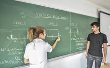 Más de 600 alumnos de la UEx eligen cursar parte de sus grados en inglés