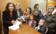 Lleno en Clavellina en Cáceres para ver a Isabel Gemio