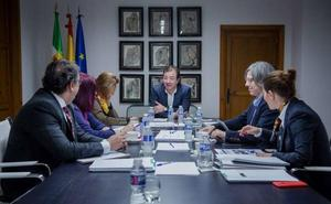 Luz verde a cuatro millones de euros para formar a ocupados y 1,8 para becas a desempleados