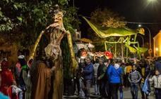 El desfile 'La aventura mágica de don Otoño' recorre el sábado Hervás