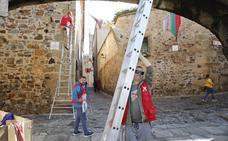 El Mercado Medieval de Cáceres salva el escollo de San Juan y espera a los manifestantes