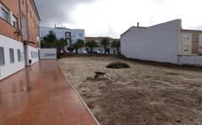 El Ayuntamiento de Castuera acondiciona el terreno para el primer huerto urbano intergeneracional