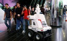 'Robocop' patrulla en la cumbre de líderes mundiales de Singapur