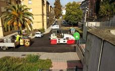 Continúan las obras de asfaltado en varias calles de Coria
