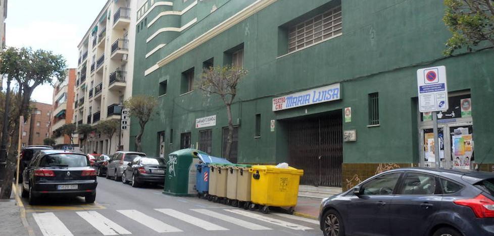 Las obras del María Luisa en Mérida obligan a reordenar el tráfico en la calle Camilo José Cela