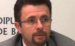 El exgerente del área de salud de Don Benito dimite como edil pero no abandona el PSOE