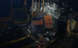 Dos personas atendidas por intoxicación en el incendio de una vivienda en Lobón