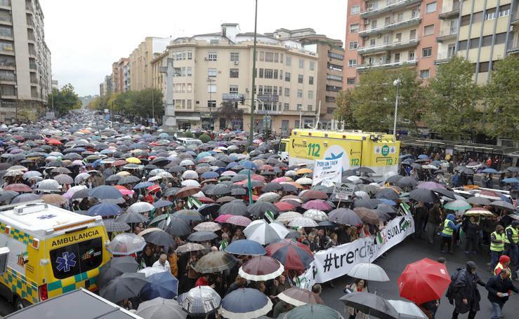 Los extremeños piden en Cáceres un tren digno