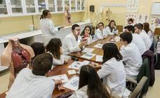 El campus placentino pierde más de una treintena de alumnos cada curso
