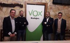 Exafiliados del PP de Villanueva concurrirán con VOX a las próximas elecciones