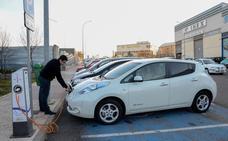 La Junta planea instalar puntos de recarga para vehículos eléctricos en las carreteras al menos cada 75 kilómetros