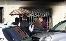 Un hombre de 83 años muere asfixiado en un incendio en su vivienda en Torremejía