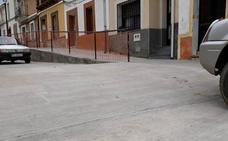 Recogen firmas para eliminar un paso elevado en Logrosán