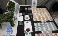 Diez detenidos por comprar droga en Badajoz para venderla en Cáceres