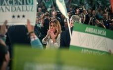 Susana Díaz suspende un acto público en Sevilla por una protesta violenta de taxistas