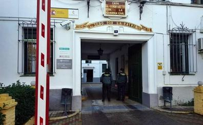 Dos vecinos de Badajoz detenidos en la N-432 acusados de tráfico de drogas