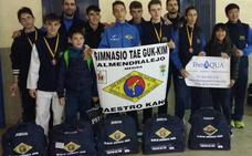 Doce medallas para el taekwondo extremeño