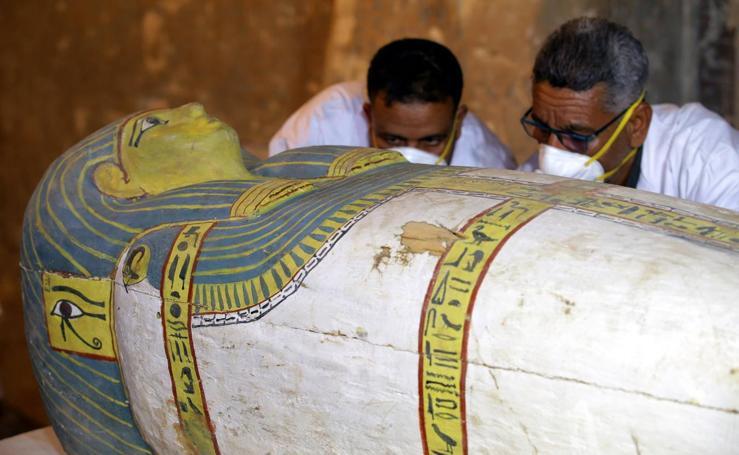 Descubren un sarcófago intacto en Luxor