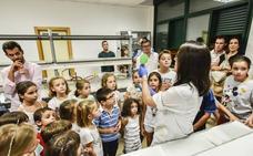 La brecha empieza en la escuela: solo el 4% de las chicas se ve científica