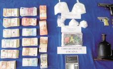 Siete años de prisión por planificar el transporte de un kilo de cocaína de Madrid a Badajoz