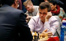 El 'extremeño' Magnus Carlsen revalida su título mundial de ajedrez