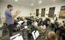 La Banda Municipal de Música recibe la Medalla de Cáceres
