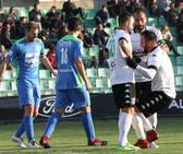 El Mérida le marca cinco goles al Aceuchal en el Romano