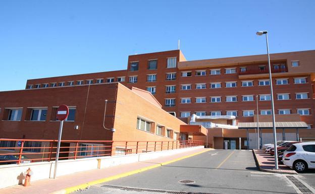 El alcalde de Coria denuncia la falta de personal en el hospital local