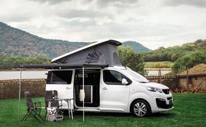 Peugeot entra en el campismo con el Traveller y el Rifter de la mano de Tinkervan