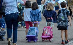 Los padres critican que tengan que recoger antes a sus hijos este martes por las elecciones sindicales