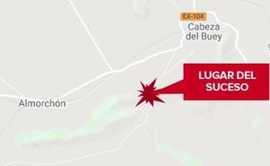 Dos jóvenes resultan heridos graves tras sufrir un accidente con un quad en Cabeza del Buey