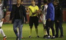 El Badajoz estalla contra los árbitros