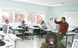 Más de 300 parados se forman en cuatro cursos de inglés y portugués