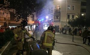 Arden los contenedores de la plaza de San Francisco de Badajoz