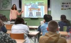 Una profesora de Jaraíz de la Vera crea un juego para explicar la Constitución