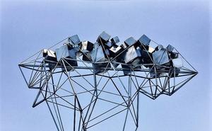 Alfonso Doncel expone sus esculturas manejables en Artex