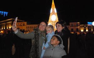 La nueva iluminación navideña luce desde ayer en Trujillo