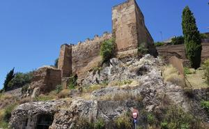 El Ayuntamiento de Cáceres critica la demora en la restauración de la muralla