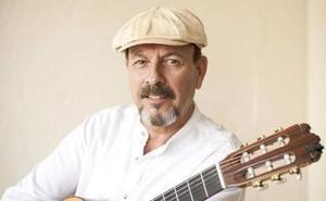 El cantautor Javier Ruibal, en el Alkázar