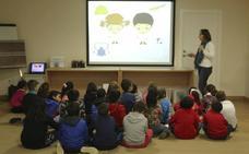 El Consorcio de Mérida organiza un taller didáctico para que los escolares conozcan sus tareas