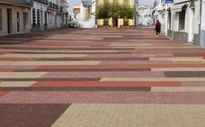 Ribera del Fresno estrena una plaza de España más accesible