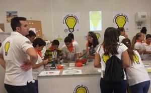 Más de medio centenar de docentes participan en 'Junioremprende'