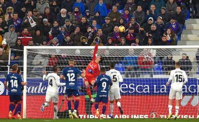 Courtois empieza a justificar su fichaje por el Real Madrid