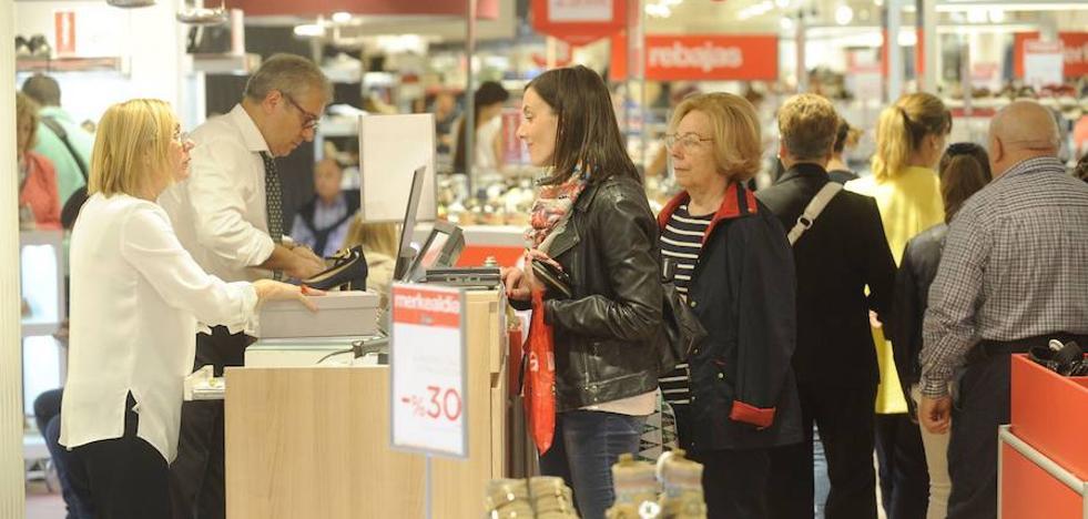 El coste por hora trabajada vuelve a tasas positivas tras el bajón de la Semana Santa