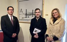 Se inaugura en Valencia de Alcántara la exposición del certamen de pintura 'Indalecio Hernández Vallejo'