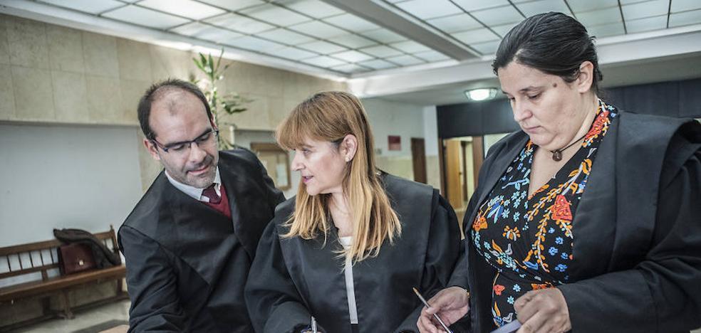 Condenados en Badajoz a diez meses de cárcel por estafar 370.000 euros con falsas ventas