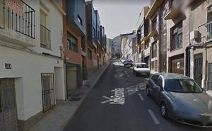 Un joven de 18 años atendido por un fuego en una vivienda de Cáceres