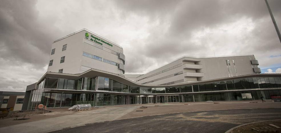 El movimiento vecinal cacereño, satisfecho por el compromiso del consejero Vergeles por el nuevo hospital