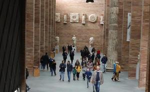 Más de 6.000 personas visitaron el Museo Romano de Mérida durante el pasado puente
